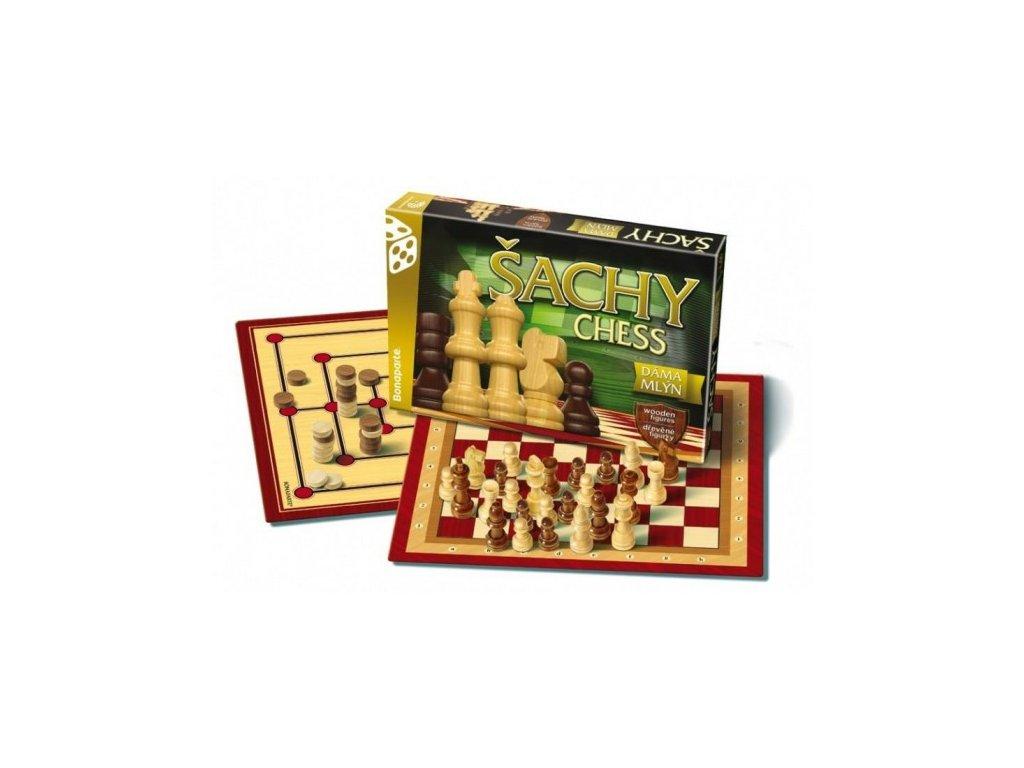 Šachy, dáma, mlýn dřevěné figurky a kameny společenská hra