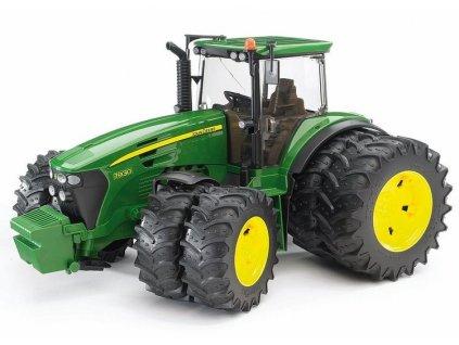 Traktor Bruder 03052 John Deere 7930 se zdvojenými koly
