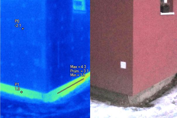 Pohled na sokl domu termovizní kamerou, termovizní měření na Šumpersku, termovize Šumperk, termovize budov, tepelný únik budovy