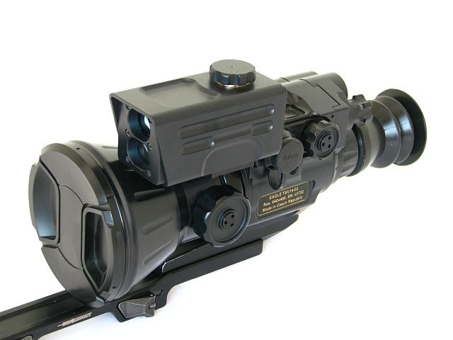 Laserový dálkoměr jako součást termovizního puškohledu Eagle