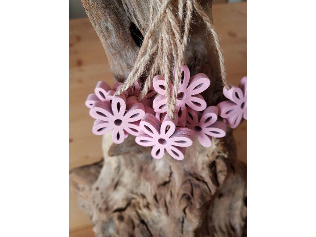 Dřevená kytička růžová