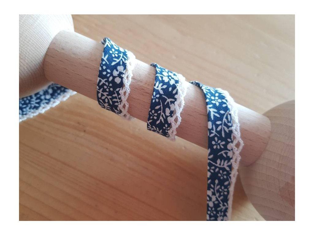Šikmý lemovací proužek s krajkou-modrobílé květinky