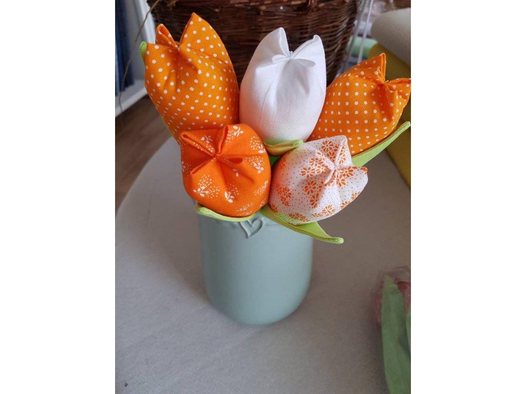 Kytice tulipánu oranžová