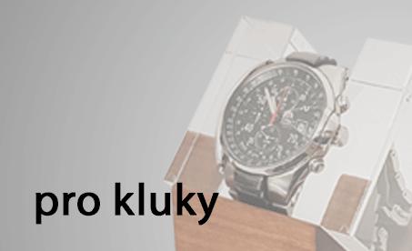 Luxusní stojany na hodinky křišťálové sklo