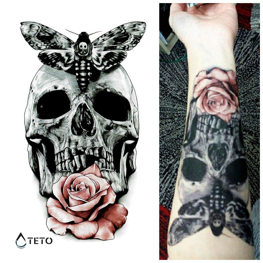 Lebka s růží a smrtihlavem