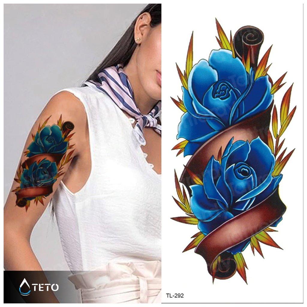 Modré květy růže