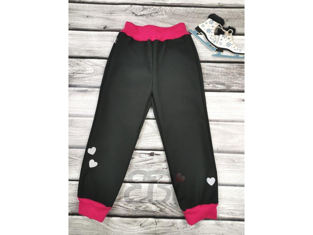 Zimní softshellové kalhoty - černé, srdíčka