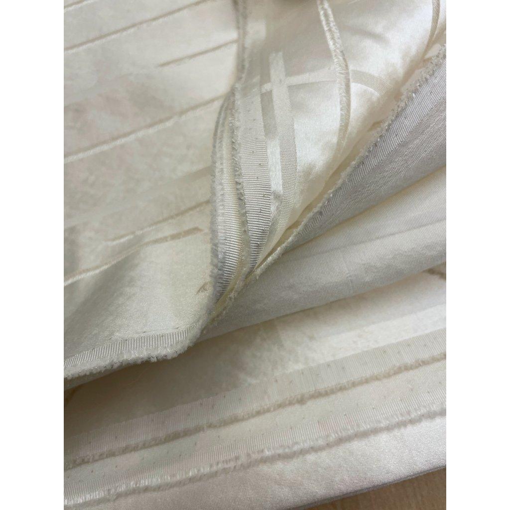3806 pevny bytovy saten mrizka viskoza polyester