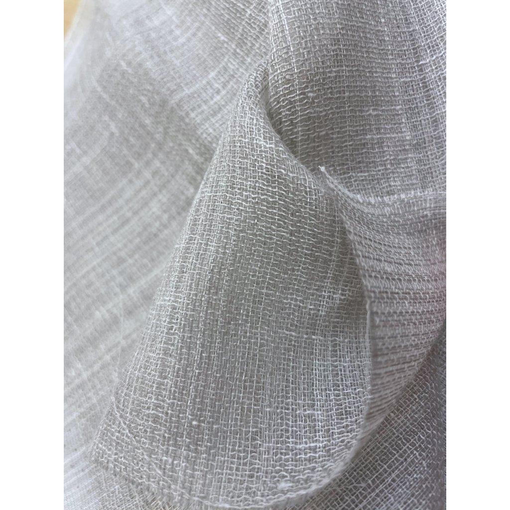 3902 svetly transparentni polyester