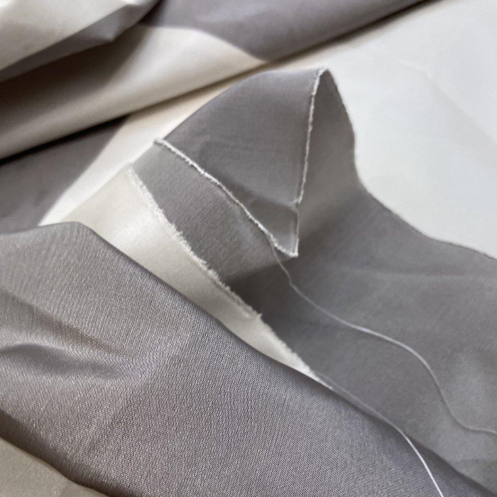 Obří pruhy, polyesterový taft