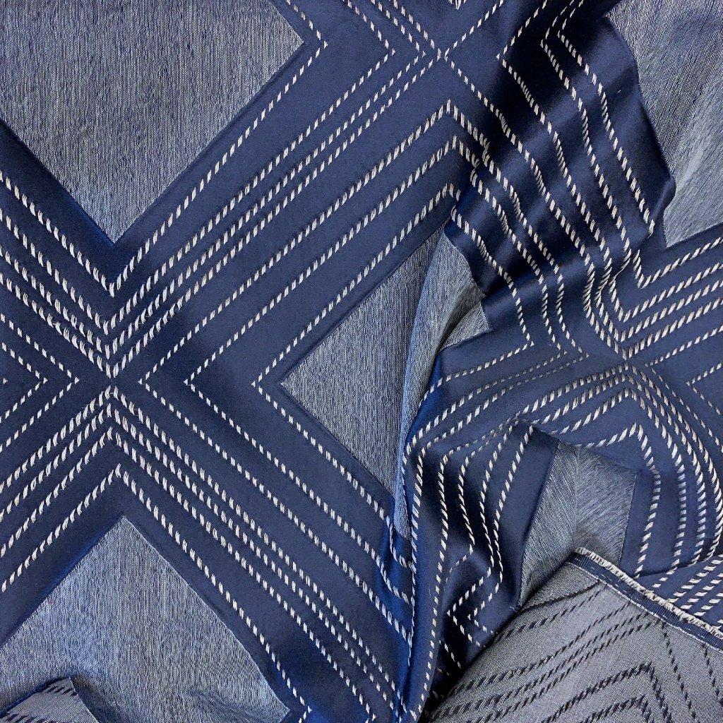 Modrý satén, žakár, geometrický