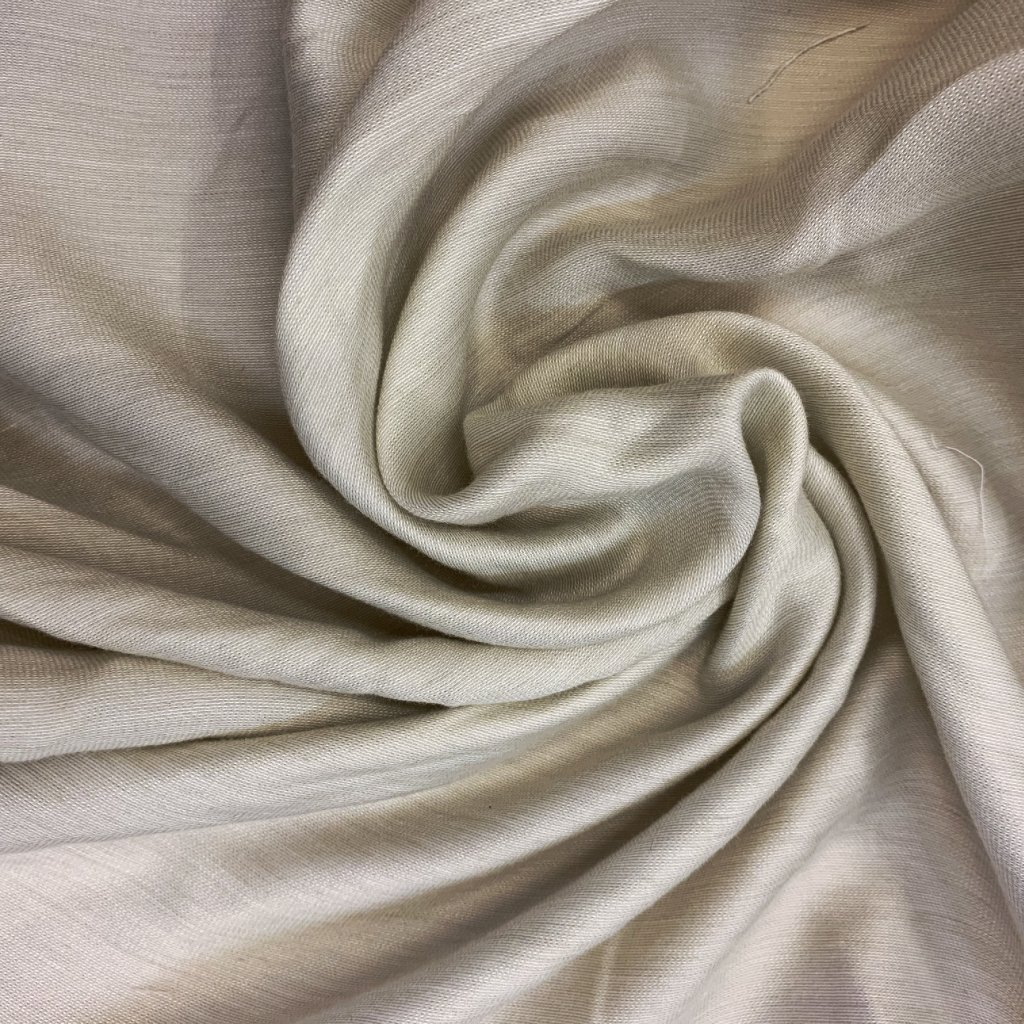Krémovo bílý lehoučký polyester/viskóza