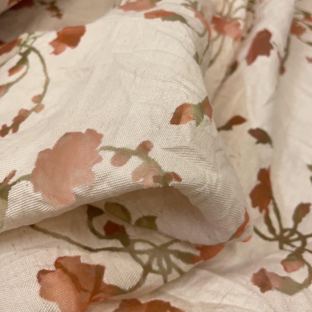 Velekrásná sem tam průsvitná viskóza/polyester, Kytičky, mačkaný efekt