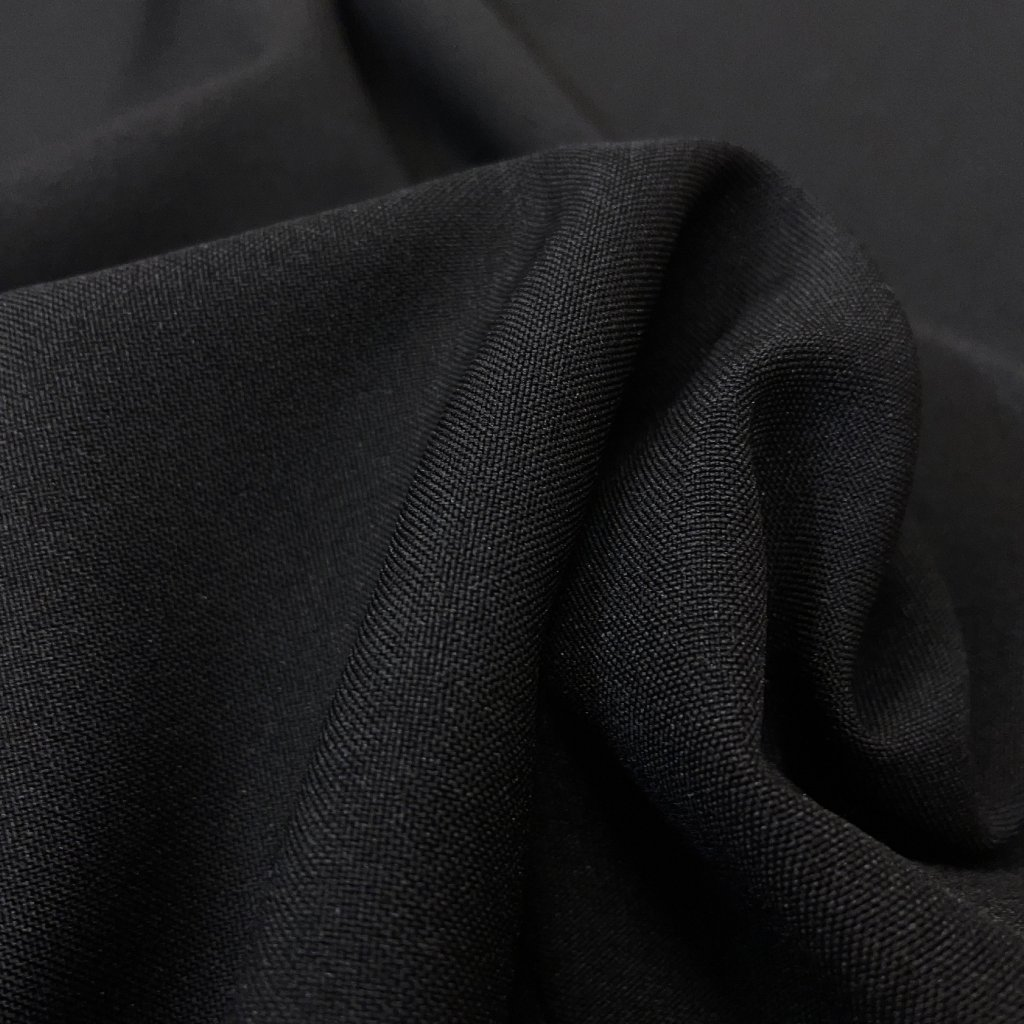 Oblekový polyester černý