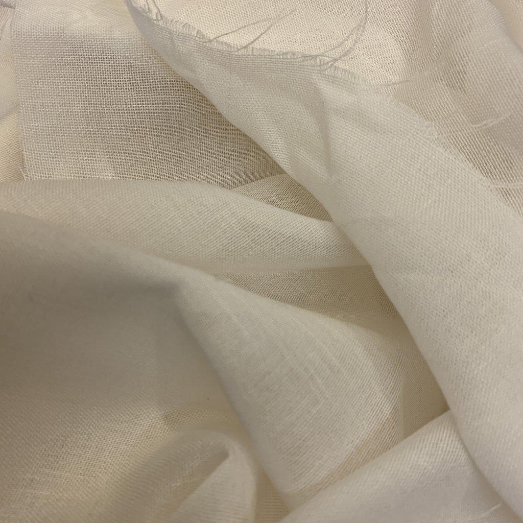 Bílý voál syntetická vlákna
