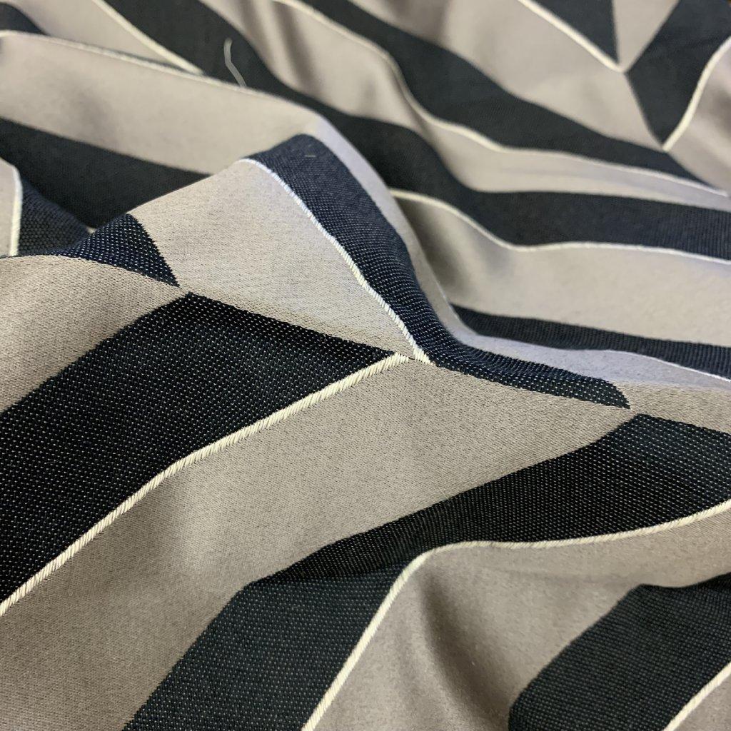 Geometrická směs lnu, bavlny a dalších