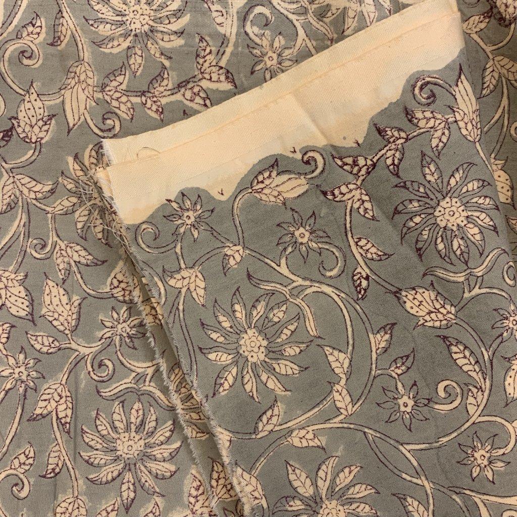 Jain&Kriz ručně tištěné bavlněné plátno Flowers Grey