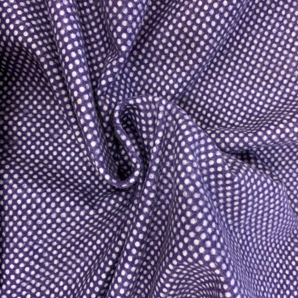 Puntíkovaný bavlněný flanel, fialový