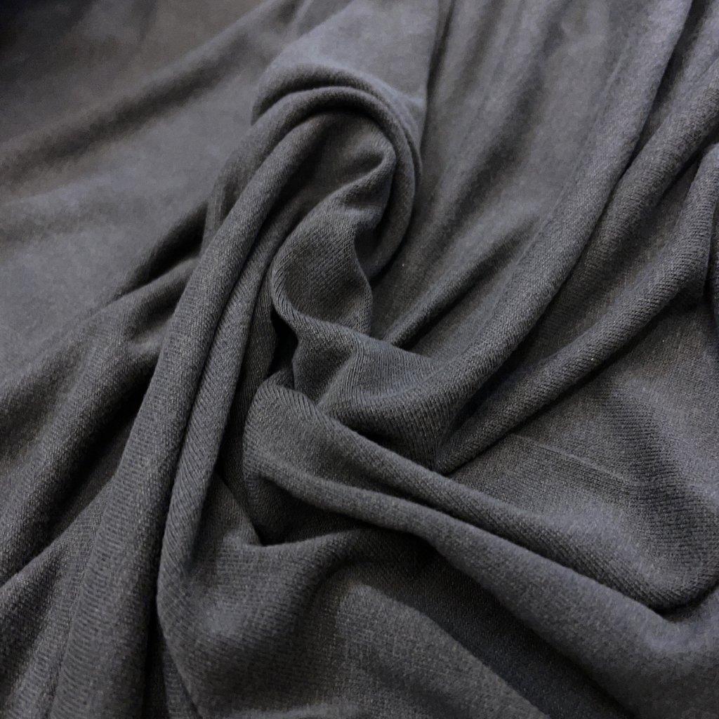 Tmavě šedý splývavý viskózový úplet/lycra