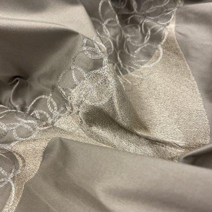 Lehký hedvábný taft, vyšívaná abstrakce