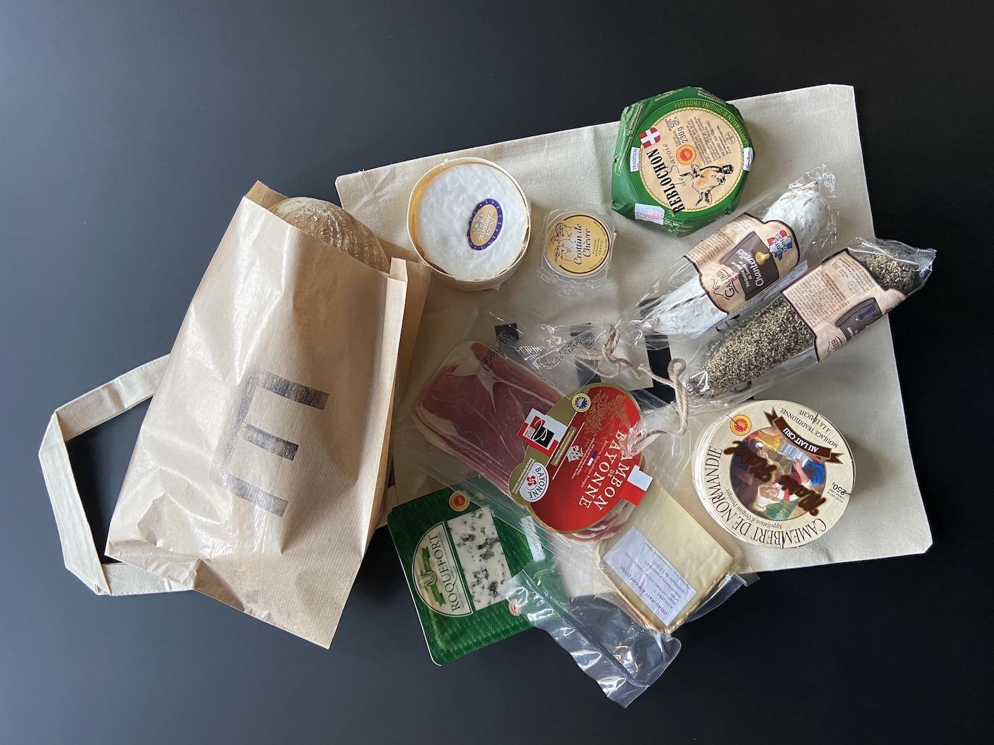 sýry a uzeniny z Francie