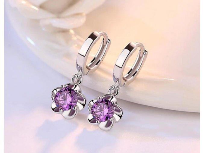 Dámské jemné náušnice s květinou skvělý tip na dárek krásný módní doplněk (Barva: fialová)