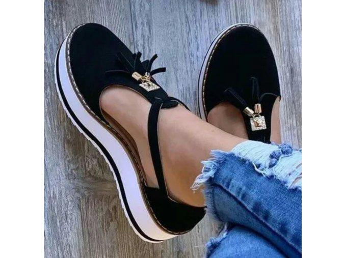 Dámske topánky- Dámske letné topánky na kline so strapcami viac farieb