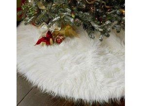 10847 vianocna dekoracia biely chlpaty koberec pod vianocny stromcek