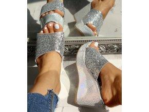 Dámske topánky-  Dámske letné trblietavé šľapky na kline viac farieb