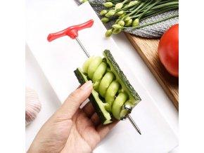 Kuchyňa - zelenina - ovocie - nôž - špirála na zeleninu a ovocie - krájač