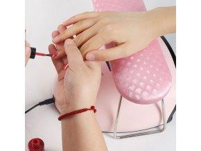 Nechty - podložka na úpravu nechtov s nožičkami - gélové nechty - podložka