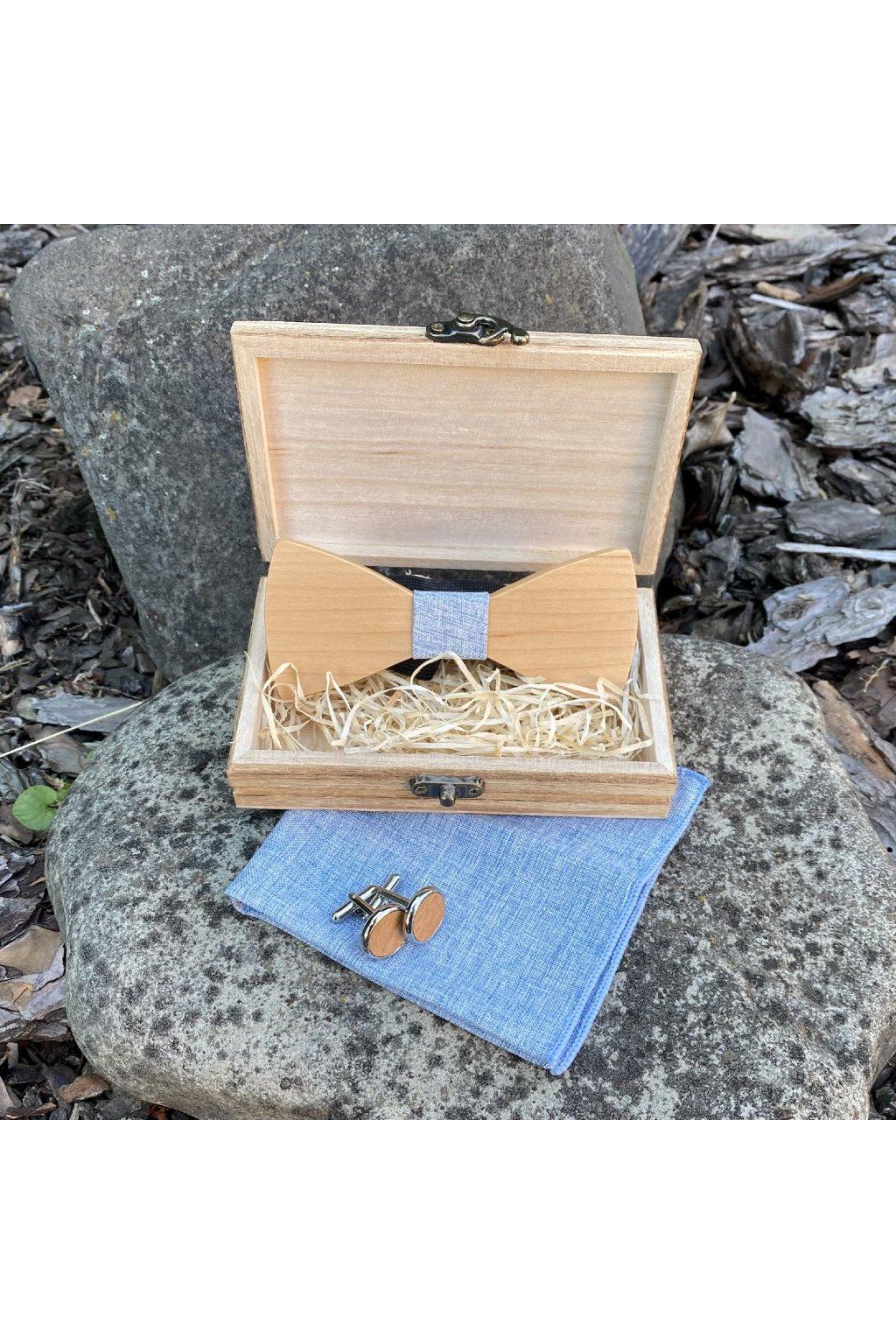 Dřevěný motýlek George