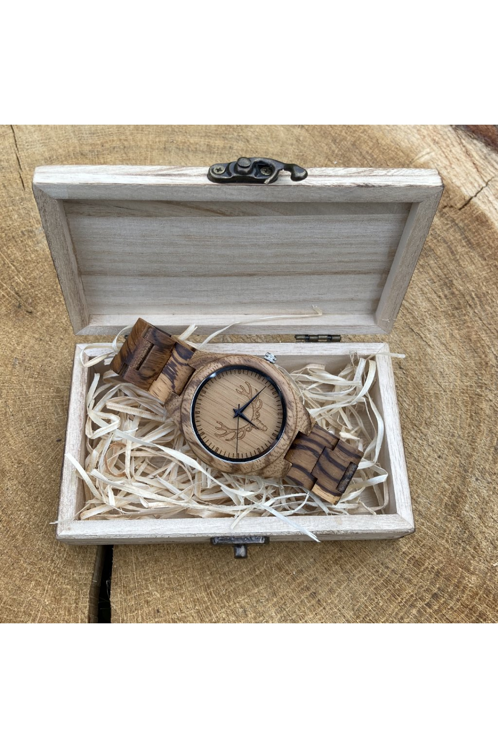 Malá dřevěná krabička na hodinky