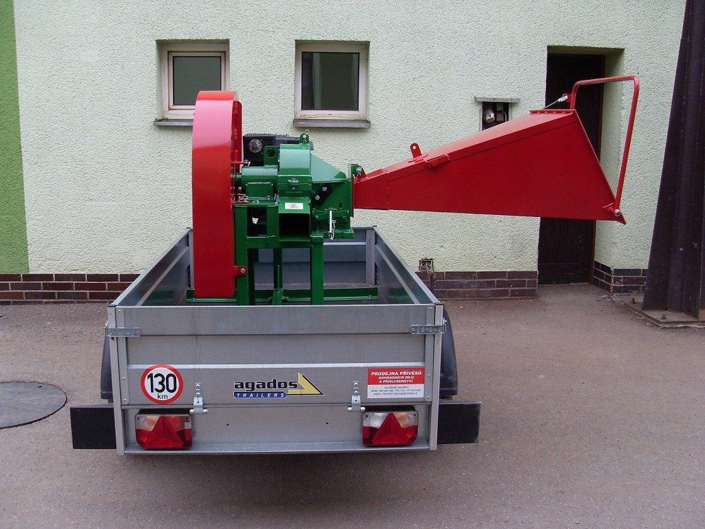 Pirana Longa - špalíkovač motorem Kohler 14 HP na podvozku + doprava zdarma