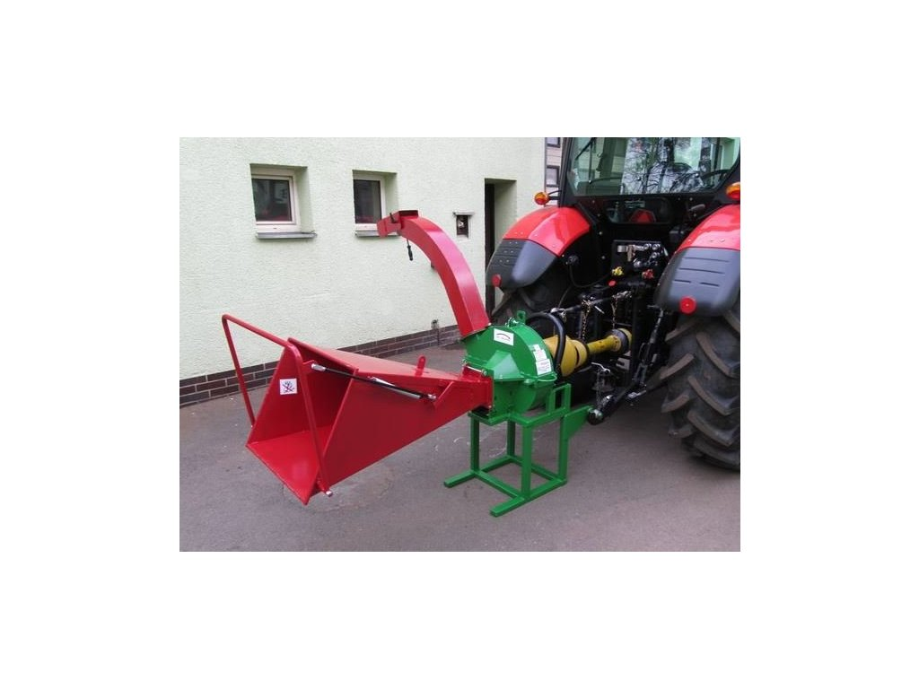 PIRANA - štěpkovač za traktor