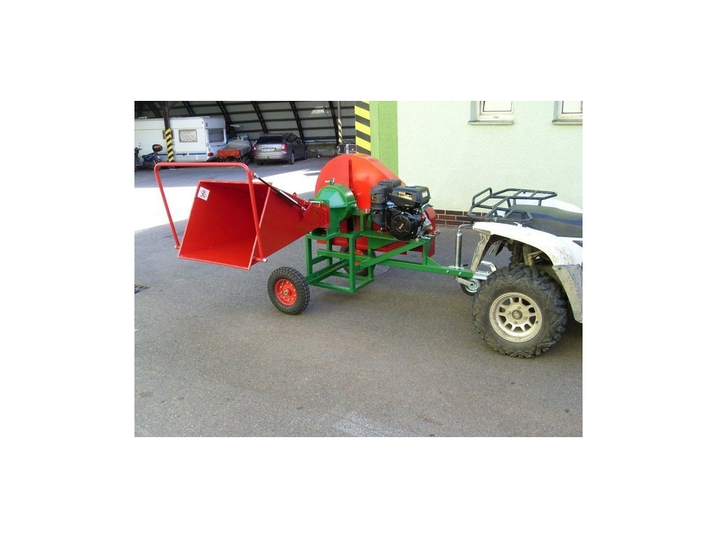PIRANA - štěpkovač s motorem Kohler 14HP na terénních kolech 410x100mm za tažné zařízení