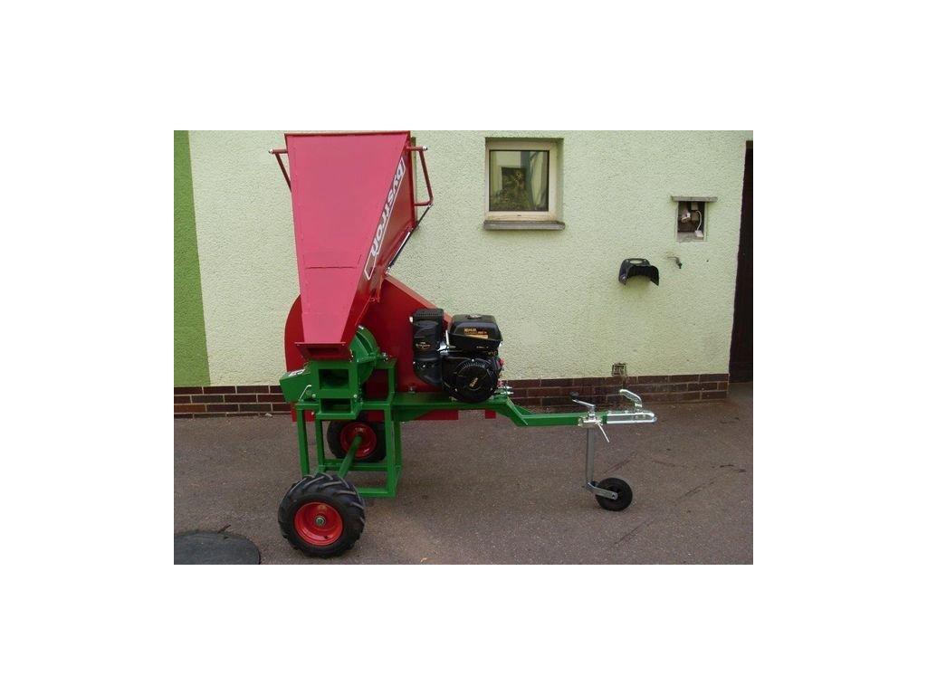 PIRANA- štěpkovač s motorem Kohler 14HP na terénních kolech 410x160mm za tažné zařízení