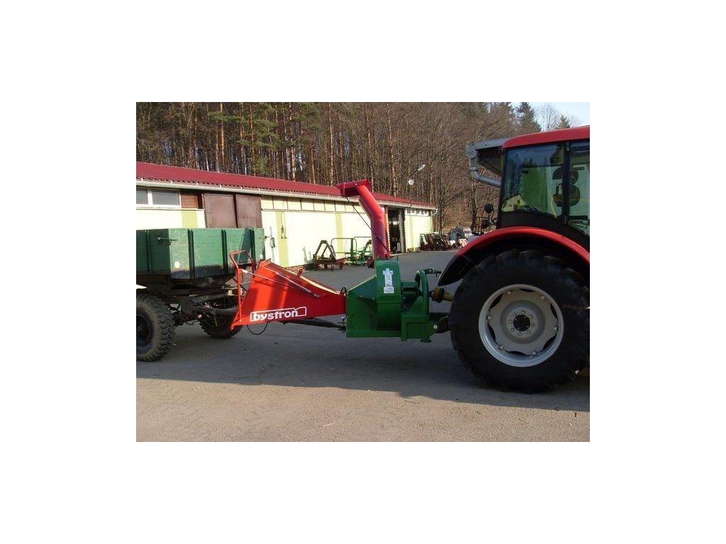 Barakuda - štěpkovač za traktor s možností připojení vlečky