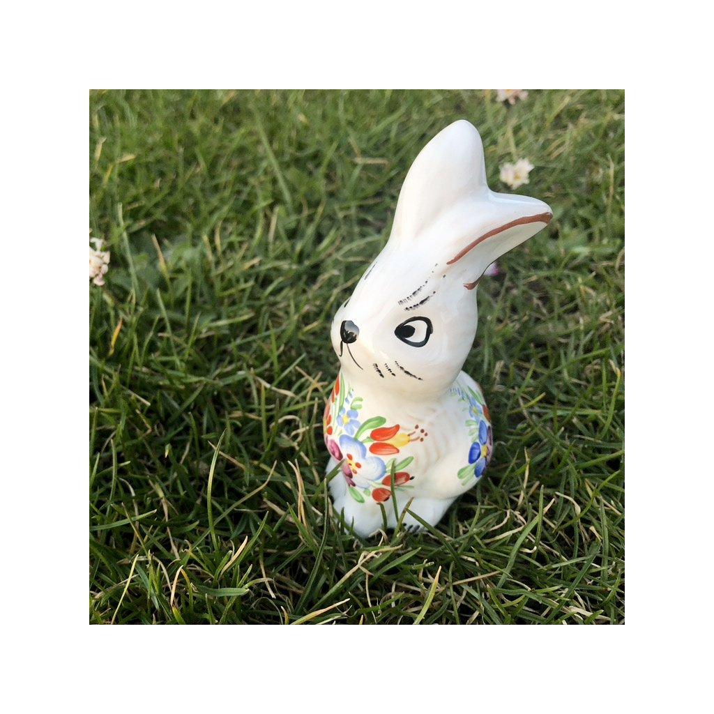 Velikonoční zajíček z chodské keramiky
