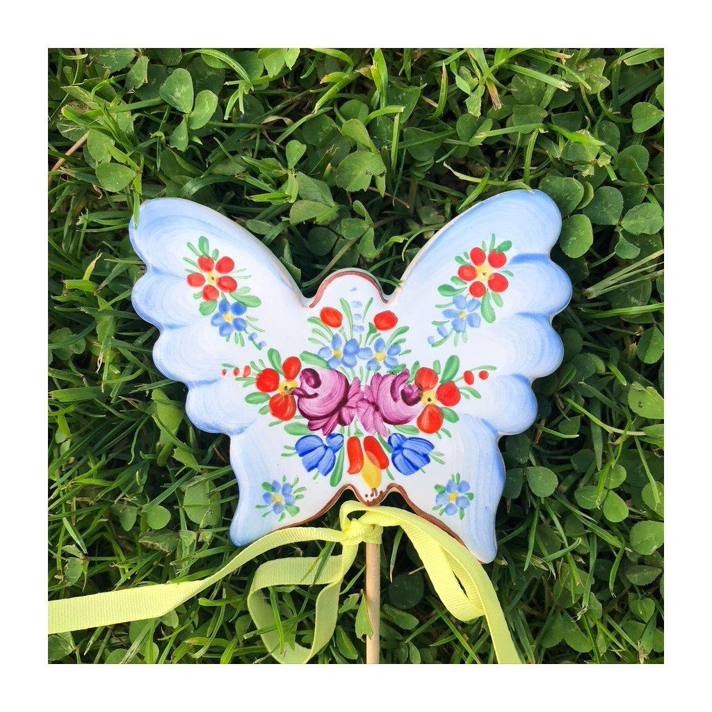 Zápich do květináče - Motýlek, chodská keramika