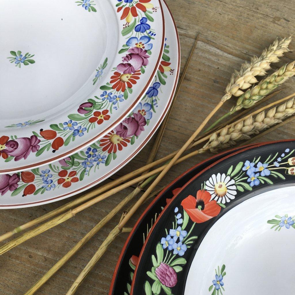 Sada 12 jídelních talířů, bílá