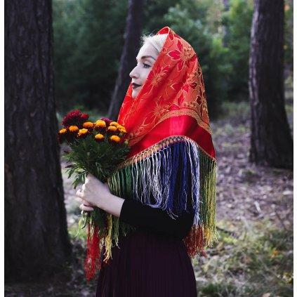 Brokátový šátek s třásněmi