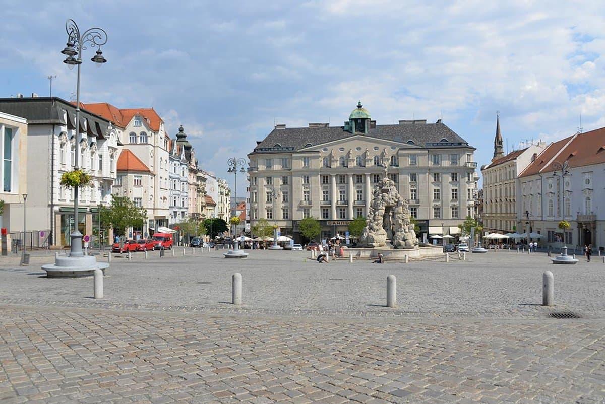 Rekonstrukce náměstí Zelný trh