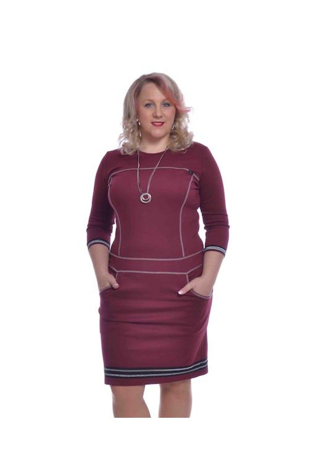 1320 Šaty prošívané stuha (Velikost 36, Barva Vínová)