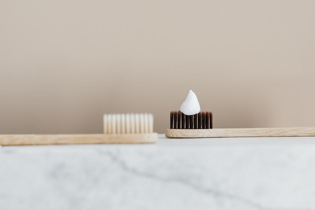 Jak vybrat správný typ zubní pasty?