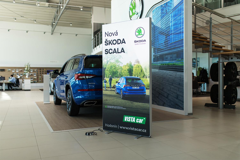 Představujeme LEDUP -  mobilní prosvětlené reklamní panely.