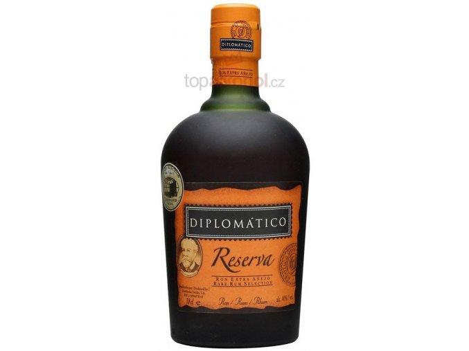 Diplomático Reserva 8 aňos 0,7l