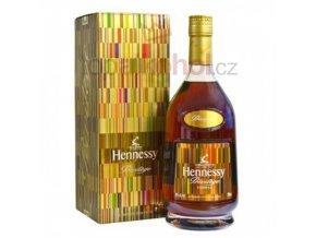 43ba542ed265289684b6ec0b6f085342 peter saville bottle design