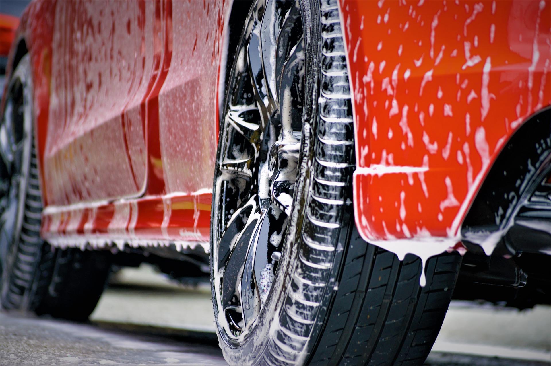 Umyté, navoskované, ochránené auto proti UV žiareniu len za 2,50 €? Je to možné?