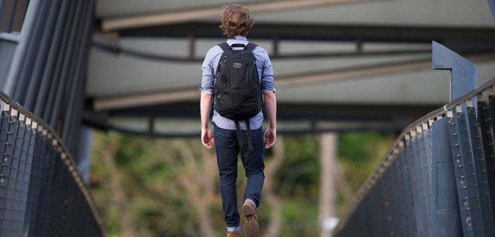 10 praktických batohů nejen do města